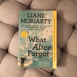 🦋 3/$20 What Alice Forgot by Liane Moriarty